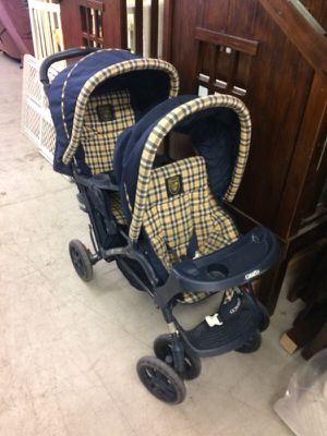 Graco double stroller for Sale in East Saint Louis, IL