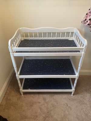 Baby changing table for Sale in Waldorf, MD