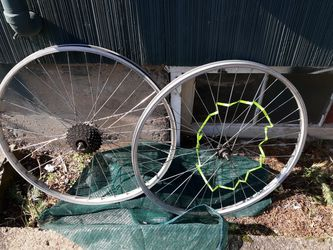 Gary Fisher Mountain Bike And rims With Extras for Sale in Portland,  OR