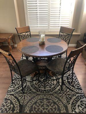 Kitchen table for Sale in La Verne, CA