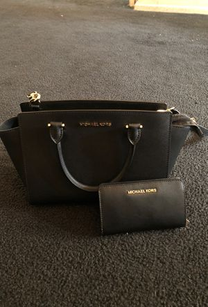Michael Kors purse and wallet authentic for Sale in Monterey Park, CA