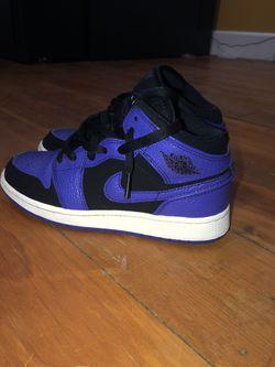 Jordan 1 Purple Size 4.5 for Sale in East Peoria,  IL