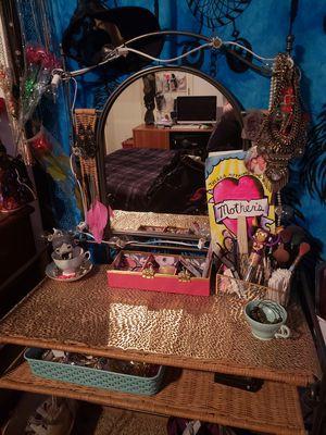 Wicker Vanity w/Mirror & Chair for Sale in Palmer, AK