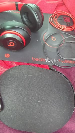 Beats studio 3 wireless 10 year decade collection for Sale in Takoma Park, MD