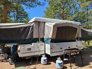 2000 Coleman popup camper for Sale in Brighton, CO