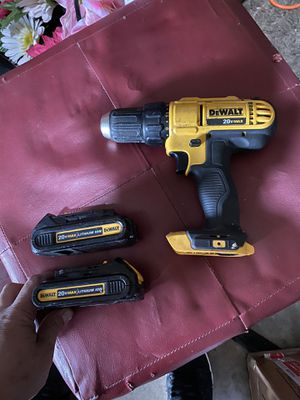Dewalt 20v Drill with 2 Batteries for Sale in Fresno, CA