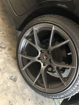 Project 6 gr rims with tires for Sale in Los Angeles, CA