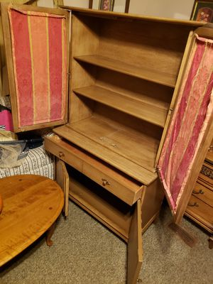 Antique china cabinet for Sale in Mitchell, IL