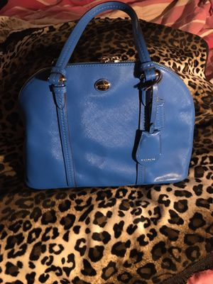 Coach periwinkle blue leather purse for Sale in San Antonio, TX