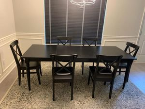Dining table seats 6-8, comes with 6 chairs, moving and need to sell. for Sale in Pensacola, FL