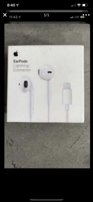 New genuine Apple EarPods Lightning connector MMTN2AM/A for Sale in Irvine, CA
