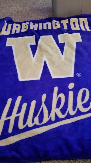 UW Huskies blanket for Sale in Everett, WA