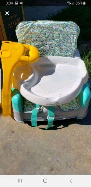 Table chair booster seat for Sale in Mentone, CA