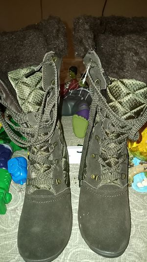 Free boots for Sale in Chicago Heights, IL