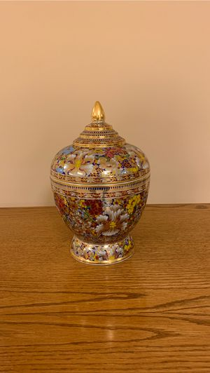 Antique vase for Sale in Glen Head, NY