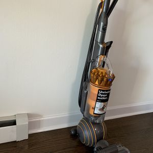 Dyson Ball Multifloor 2 for Sale in Arlington Heights, IL