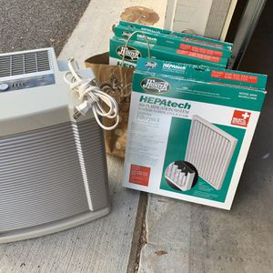 Hunter Air Purifier and Air fresher with filters for Sale in Baltimore, MD