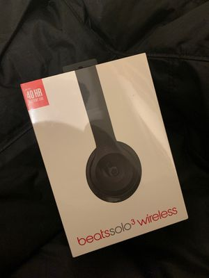 BEATS SOLO!! NEVER OPENED for Sale in Hialeah, FL