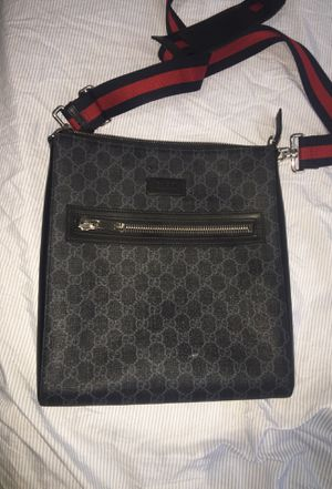 Gucci messenger bag/man bag (Authentic) for Sale in Glenwood, IL