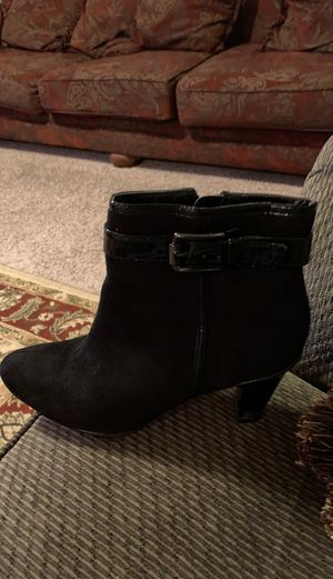 Short boot for women for Sale in Frisco, TX