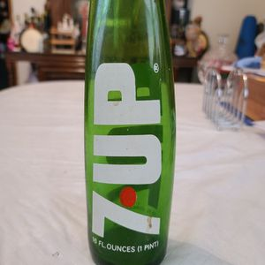 Unique 7 UP Bottle for Sale in Queens, NY