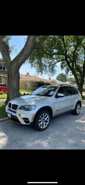 2011 BMW X5 XDrive35i RUNS PERFECT for Sale in Lincolnwood, IL