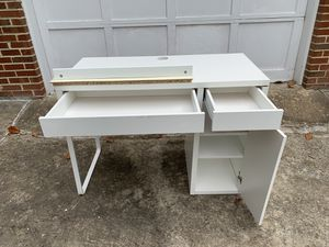 MICKE Ikea table for Sale in Woodbridge, VA