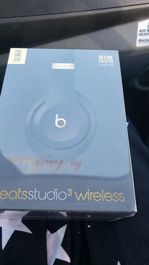 Beats by Dre Studio 3 wireless for Sale in Atlanta, GA