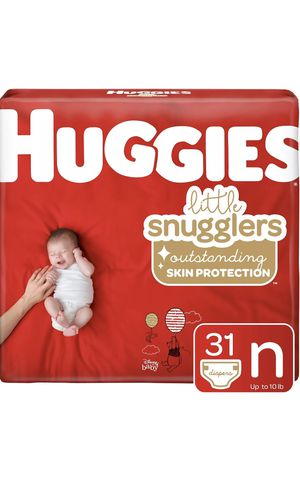 2 Packs of Huggies Little Snugglers Baby Diapers, Size Newborn, 31 Ct for Sale in Pembroke Pines, FL