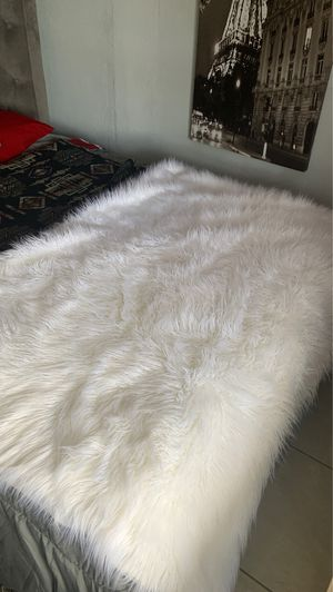 Z Gallerie faux fur blanket for Sale in Miami, FL