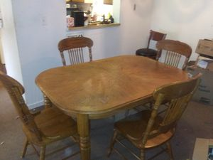 Kitchen table and chairs like brand new for Sale in Washington, IN
