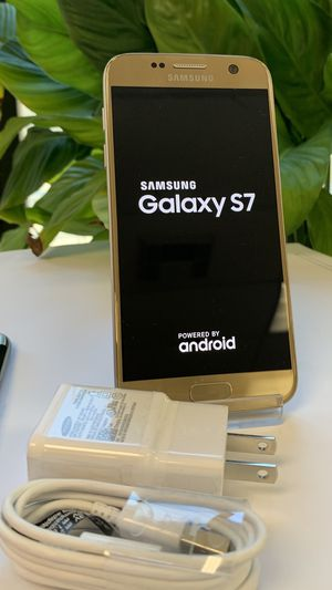 Samsung galaxy s7 32gb unlocked excellent condition for Sale in Boston, MA