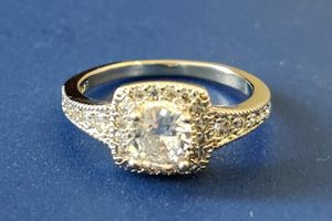 (Local) 925 Sterling Silver Halo Engagement Ring, Size 8 for Sale in Wichita, KS