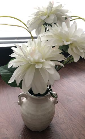 Artificial White Flowers in Pot for Sale in Nashville, TN