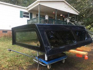 ARE camper shell in excellent condition for Sale in Simpsonville, SC