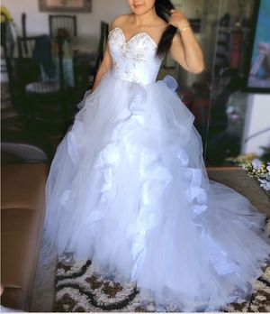 Princess Cut Wedding Dress Ball Gowns Corset with Crystal Rhinestones Size 2-4 for Sale in Manassas, VA