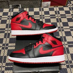 """Air Jordan 1 Mid GS """"Banned"""" Size 4Y-7Y 100% Authentic 100% Brand New for Sale in Philadelphia,  PA"""