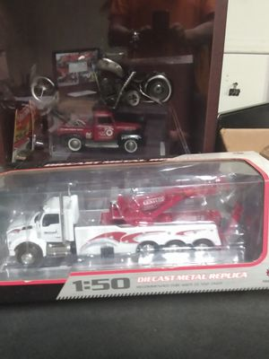 Very collectable tow truck for Sale in Mokena, IL