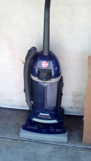Hoover bagless vacuum for Sale in Whittier, CA
