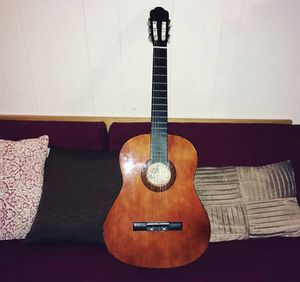 Meiyin Musical Acoustic Guitar with Black Case for Sale in Santa Monica, CA