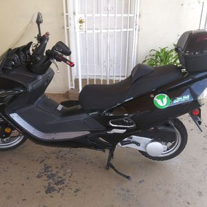Motorcycle 150, Titan Year 2018 for Sale in Miami, FL
