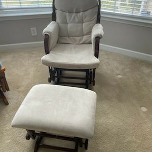 Rocking Chair With Foot Stool for Sale in Raleigh, NC