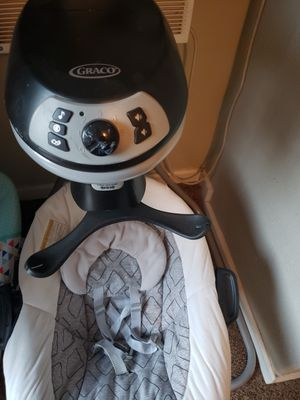 Graco swing with detachable bouncer for Sale in Moreno Valley, CA