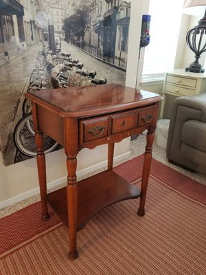 Table,Side.End.Night stand Solid Wood for Sale in Rancho Santa Margarita, CA
