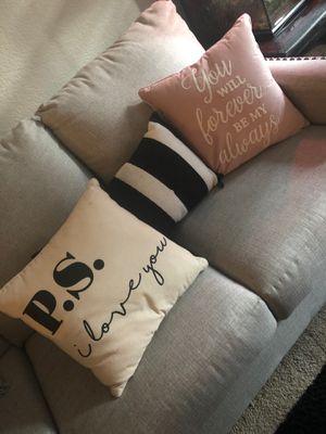 Throw pillows for Sale in Mountlake Terrace, WA