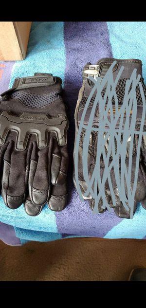 riding gloves rocket new for Sale in Overland Park, KS