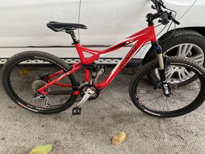 "specialized 26"". shimano deore component. like new for Sale in Miami, FL"