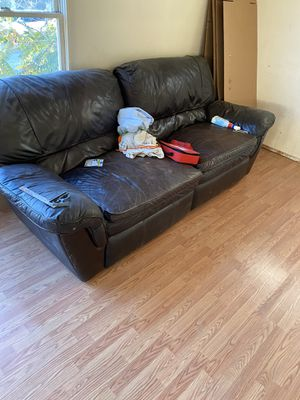 2 free couches. Curb alert for Sale in Colton, CA