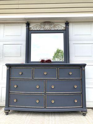 Stunning Dresser and Mirror for Sale in Murfreesboro, TN