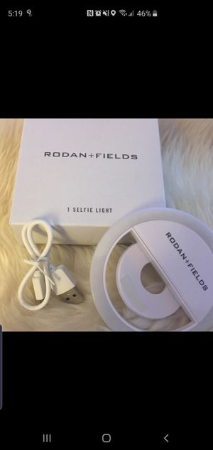 Rodan+Fields Selfie light for Sale in Rancho Santa Margarita, CA